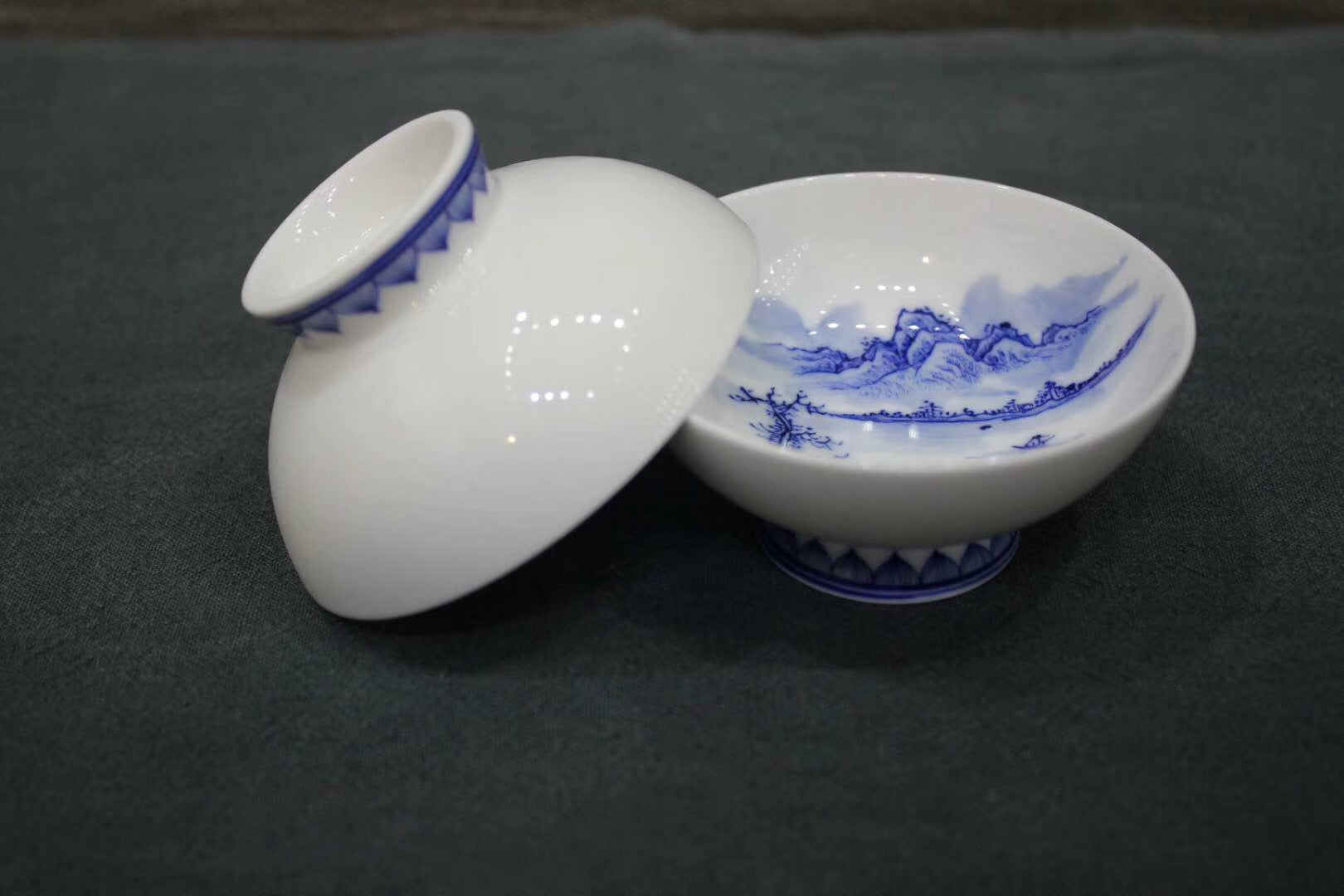 Zhonggong Mountain and River Qing hua (blue flowers) Cup