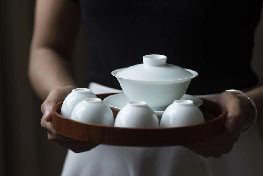 Hand made white thin glaze flat Gaiwan set(1 Gaiwan 4 cups)