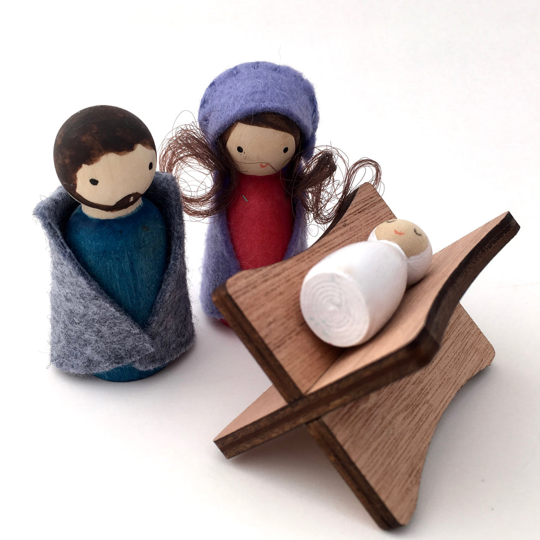 Mini holy family peg doll nativity set with manger