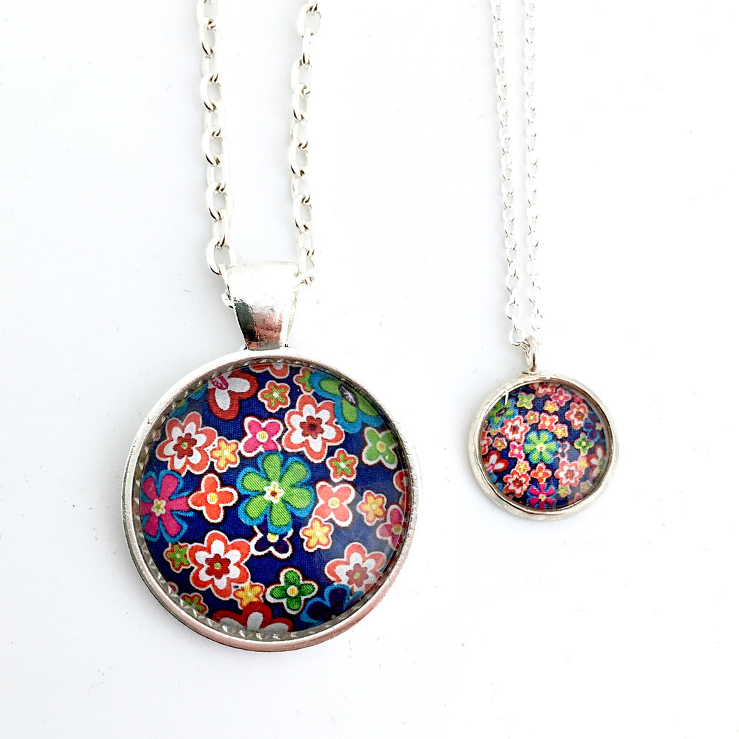 Matching Mummy and daughter glass dome pendant necklace with link chain retro floral