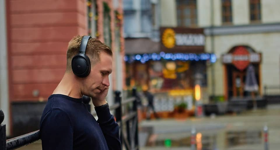 Why You Should Buy Noise Canceling Headphones?