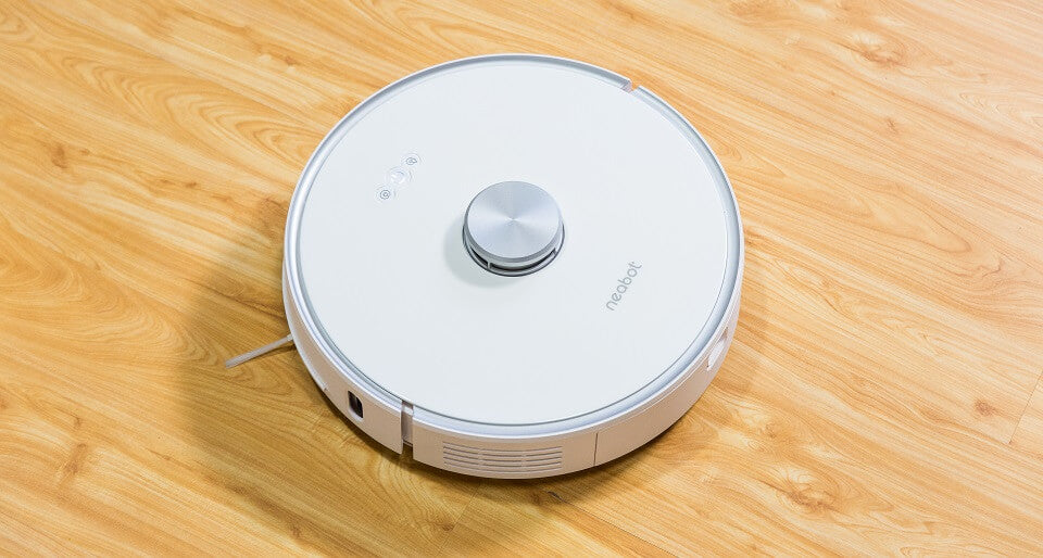 Featured of Neabot NoMo Hands-free Robot Vacuum
