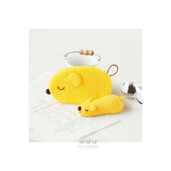 Cute Snoozing Bear Needle Felting Kit