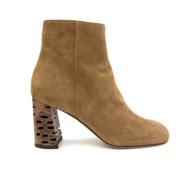 KatirneHanna BADBANKSIABOOTIE beige boots for women  banksia heels khaki heels boots khaki heels beige heels winter shoes womens shoes brands ecco shoes