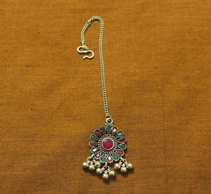 Ruby-green silver teeka