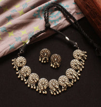Silver look-alike Choker Set
