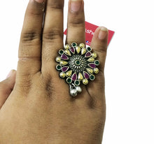 Dual-tone Ruby-green finger ring