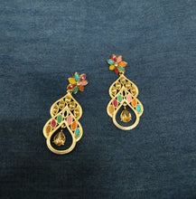 Festive multicolor flower earring