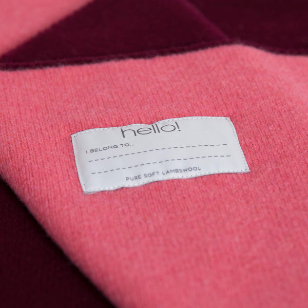 tullibee knitted blanket WOW pink hello label close up
