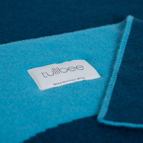tullibee knitted blanket YAY blue brand label close up