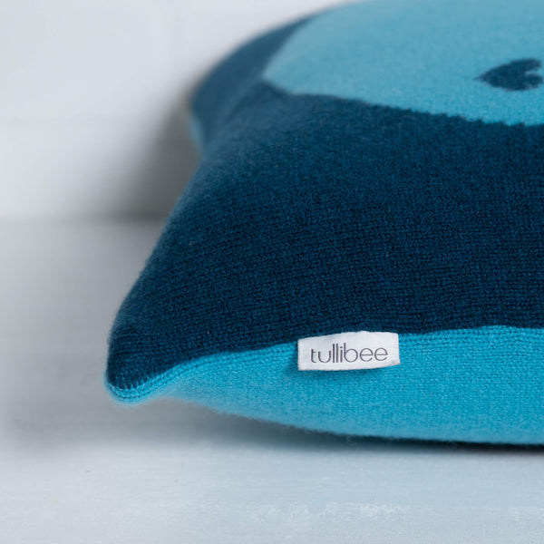 tullibee knitted cushion YAY WOW blue label close up