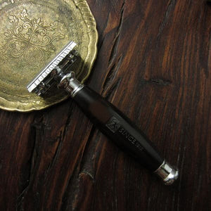 The Lincoln Safety Razor