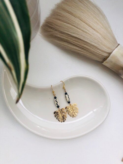Societe Urbane: Monstera Leaf Drop Earrings-Small