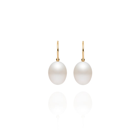 Signature Yellow Gold Shepherd's Hook Pearl Earrings