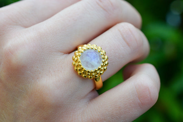 925 Gold-Plated Silver Rainbow Moonstone (White Labradorite) Circular Ring