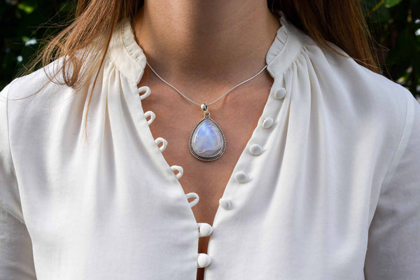 925 Silver Decorated Drop-Shaped Rainbow Moonstone Pendant
