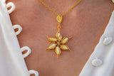 925 Gold-Plated Silver White Amber Flower Star-Shaped Pendant