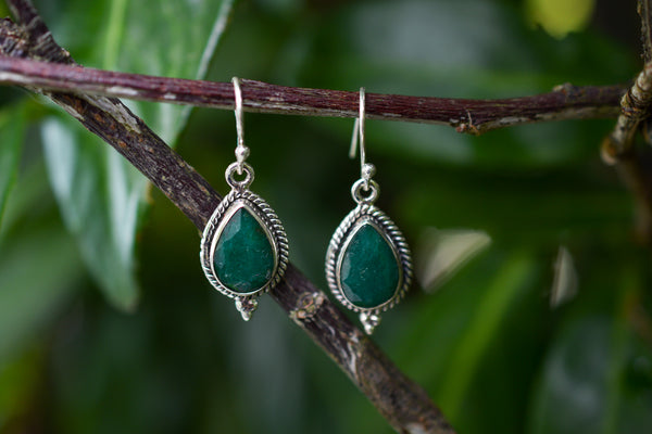 925 Silver Decorated Drop Emerald Earrings