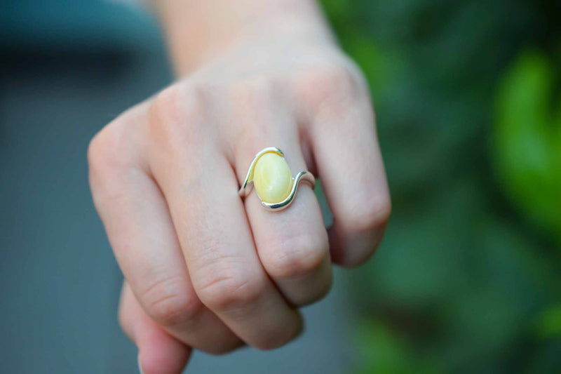 925 Silver White Amber Wrap Oval Thick Ring