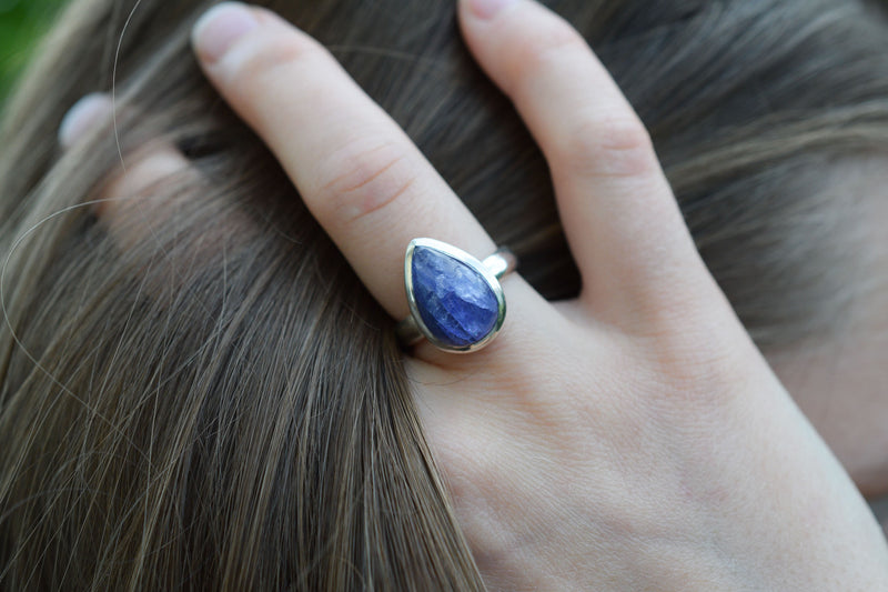 925 Silver Drop-Shaped Tanzanite Ring