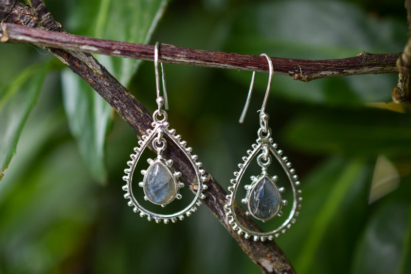 925 Silver Labradorite Decorated Dangling Earrings
