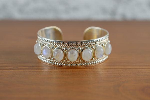 925 Silver Decorated Circular Rainbow Moonstone Bracelet