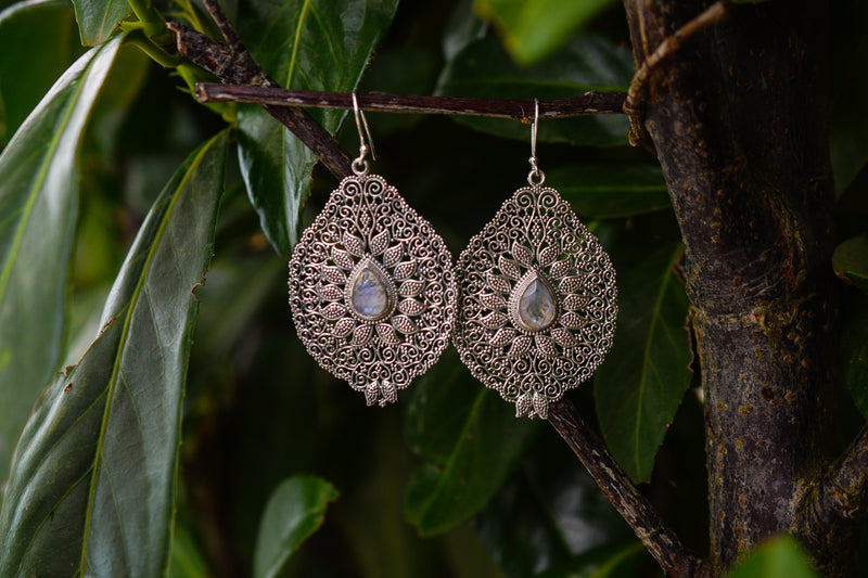 925 Silver Filigram Rainbow Moonstone (White Labradorite) Earrings