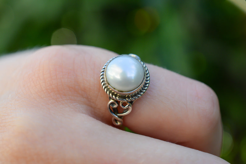 925 Silver Large Cultured Pearl Decorated Ring
