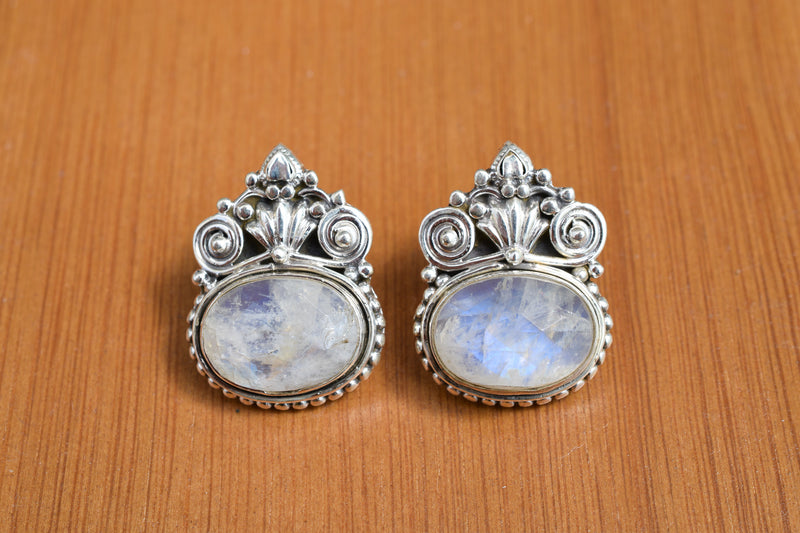 925 Silver Rainbow Moonstone (White Labradorite) Mughal-Style Heavy Earrings