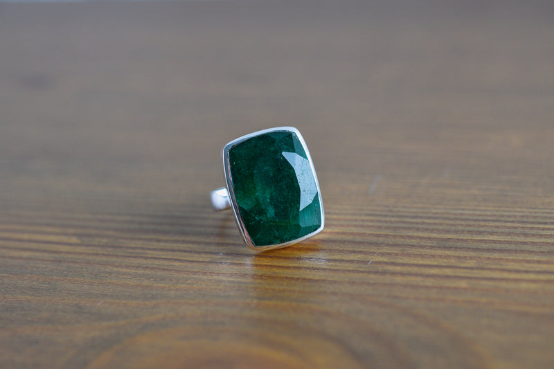 925 Silver Rectangle Facetted Emerald Ring