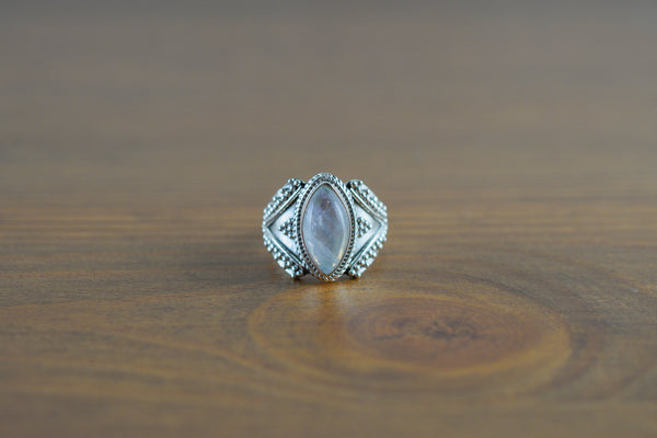 925 Silver Diamond-Shaped Rainbow Moonstone Decorated Ring