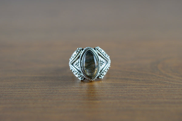 925 Silver Diamond-Shaped Labradorite Decorated Ring