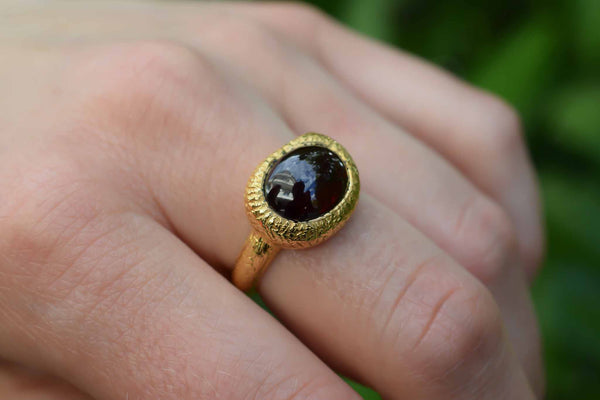 925 Gold-Plated Silver Decorated Garnet Ring