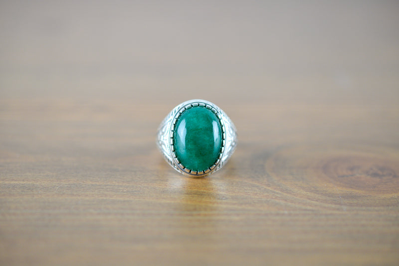 925 Silver Decorated Emerald Eye Mughal-Style Small Ring