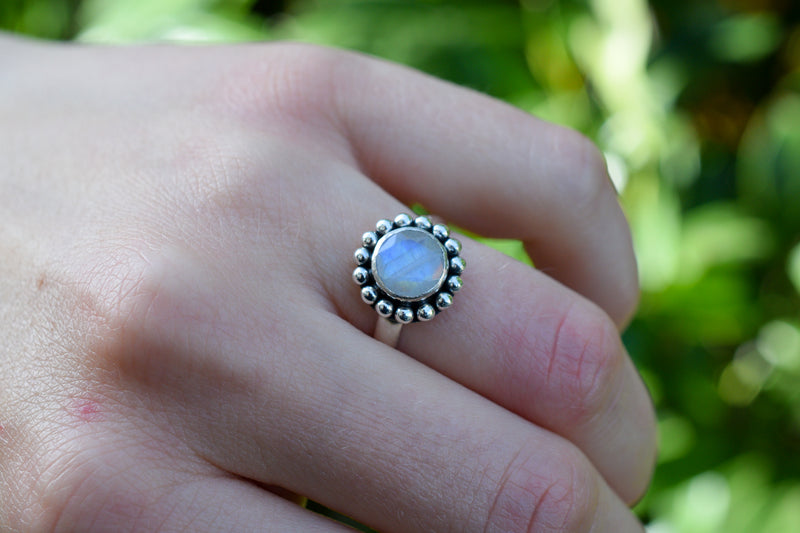 925 Silver Round Flower-Shaped Rainbow Moonstone Ring