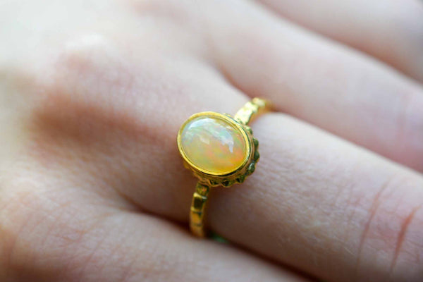 925 Silver Gold-Plated Precious Opal Decorated Ring
