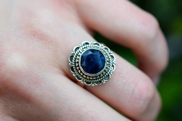 925 Silver Small Oval Sapphire Mughal-Style Decorated Ring