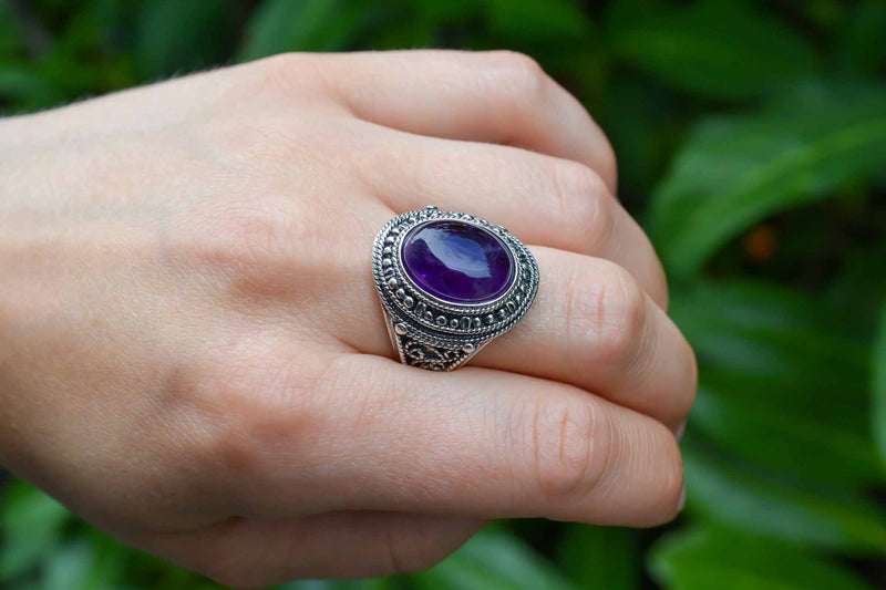 925 Silver Large Oval Amethyst Decorated Ring