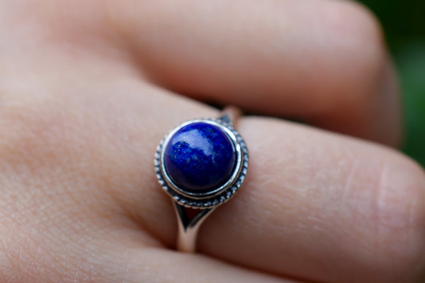 925 Silver Small Round Lapis Lazuli Decorated Ring