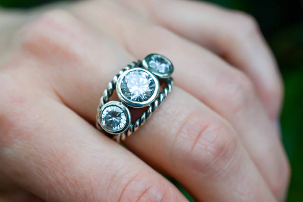 925 Blackened Silver Three Zirconia Intertwined Decorated Ring
