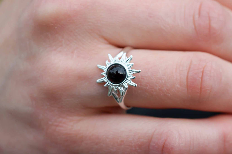 925 Silver Small Sun-Shaped Blood Amber Ring