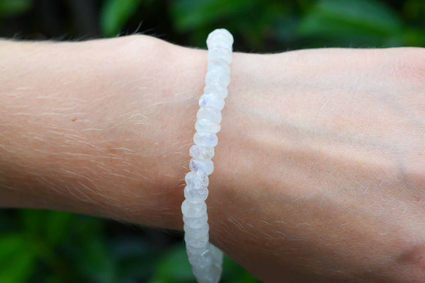 925 Silver Closure 8-10 mm Rainbow Moonstone Faceted Bracelet