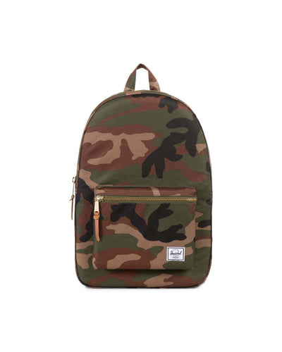 Settlement Backpack - Woodland Camo