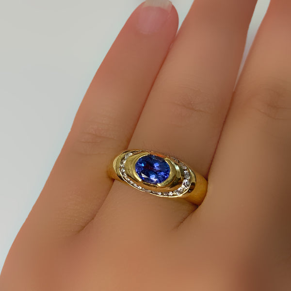 Oval Tanzanite and Diamond Ring 14K Yellow Gold