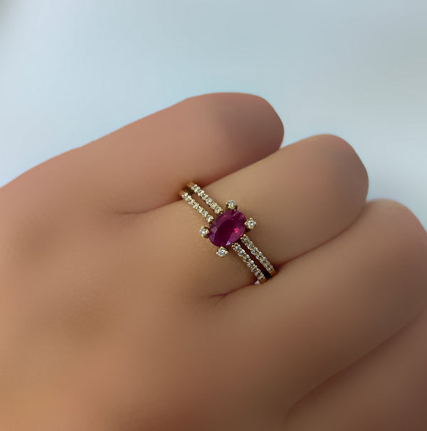 Oval Ruby Diamond Gold Ring - Thenetjeweler