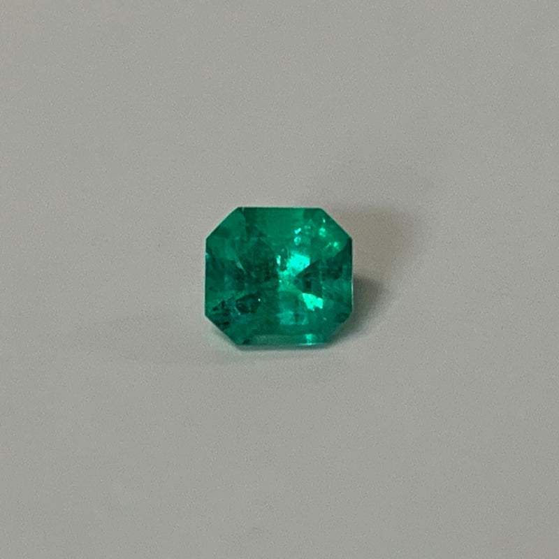 Asscher Cut Green Emerald Loose Gemstone 0.49 carat - Thenetjeweler