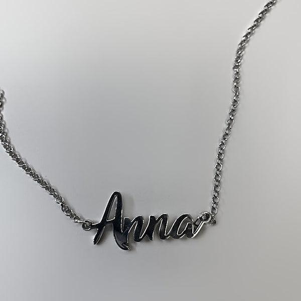 Personalized 14k gold Anna name necklace