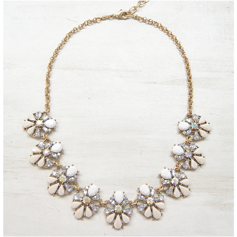 collar queen bee perla
