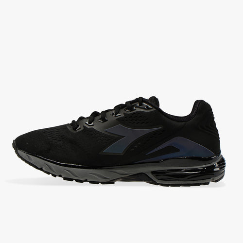 Men's Mythos Blushield Hip 3 Running Shoe - Black/Steel Gray