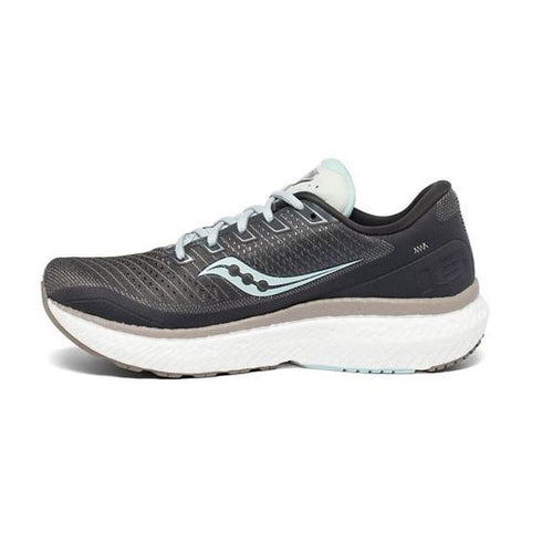 Women's Triumph 18 Running Shoes - Charcoal/Sky